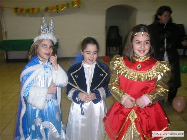 Festa di carnevale dei babini della Parrocchia (01).jpg