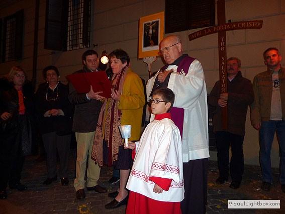 Via Crucis per le strade di Borgo - Foto di Franco Colacicco (32).jpg