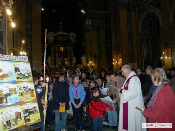 Via Crucis deibambini in chiesa (06).jpg